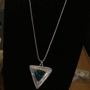 Gorgeous Betsey Johnson necklace